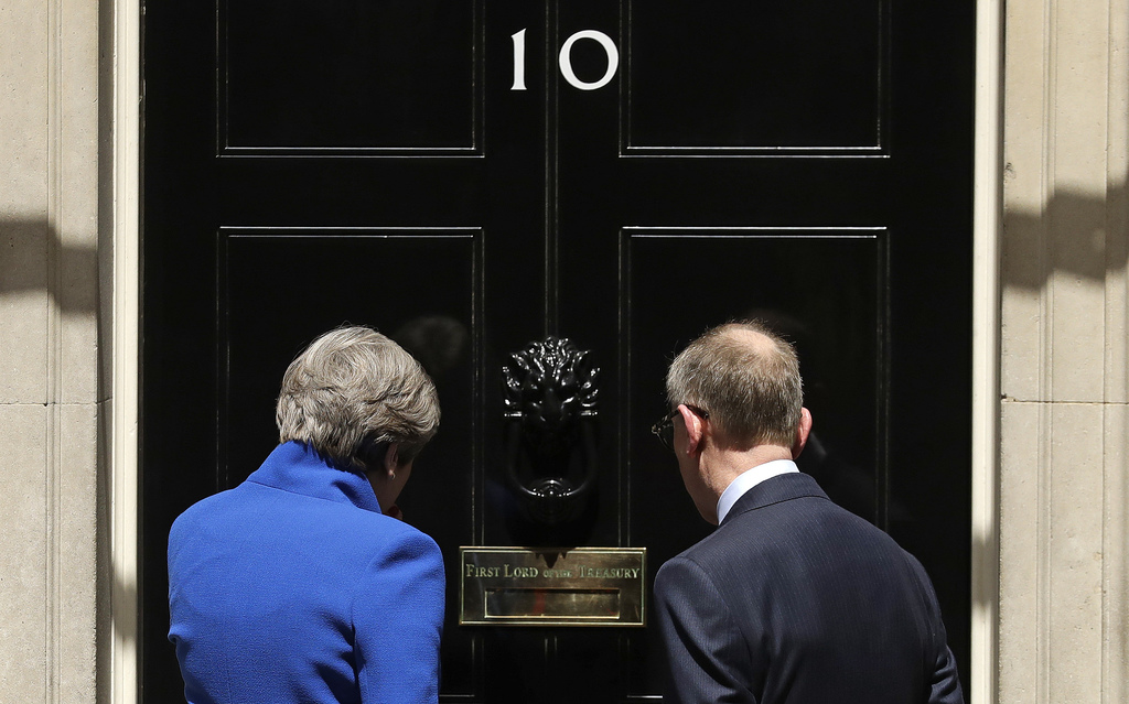 DUP agrees principles to 'confidence and supply' deal with Tories