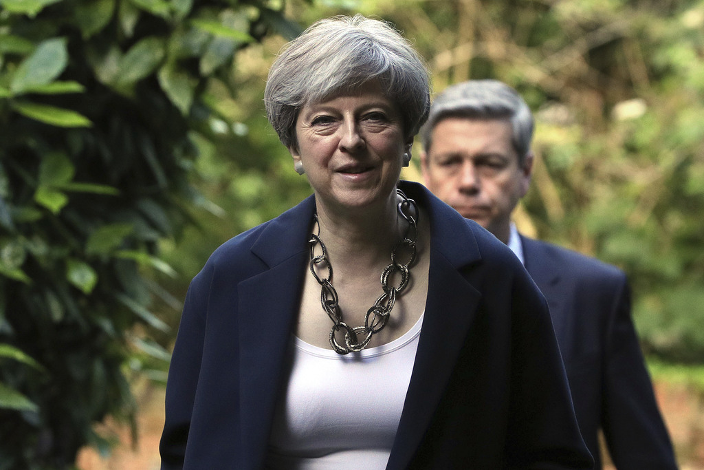 Queen's Speech delayed as government in DUP talks