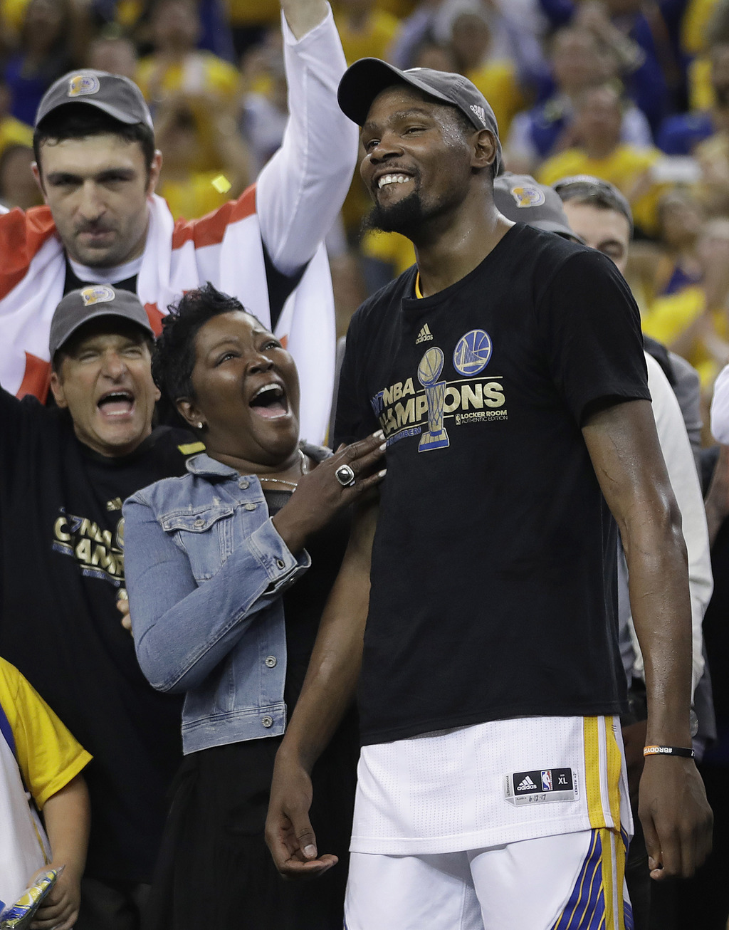 Kevin Durant, Stephen Curry lead Warriors to NBA title