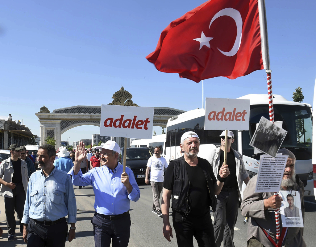 Turkish opposition party begins 250-mile protest march