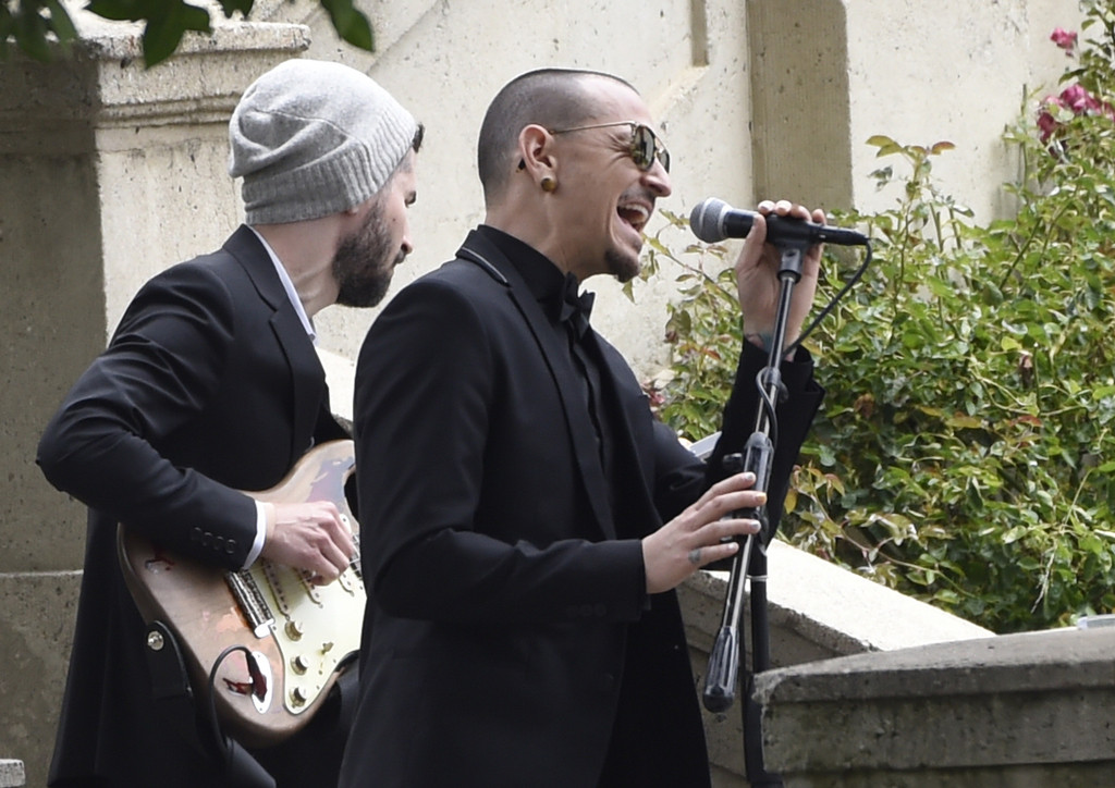 """FILE - In this May 26, 2017 file photo, Chester Bennington, of Linkin Park, performs """"Hallelujah"""" at a funeral for Chris Cornell at the Hollywood Fore..."""