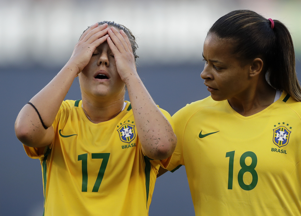 Brazil midfielder Adnressinha (17) reacts alongside teammate midfielder Fran (18) after losing to the United States in a Tournament of Nations women's...