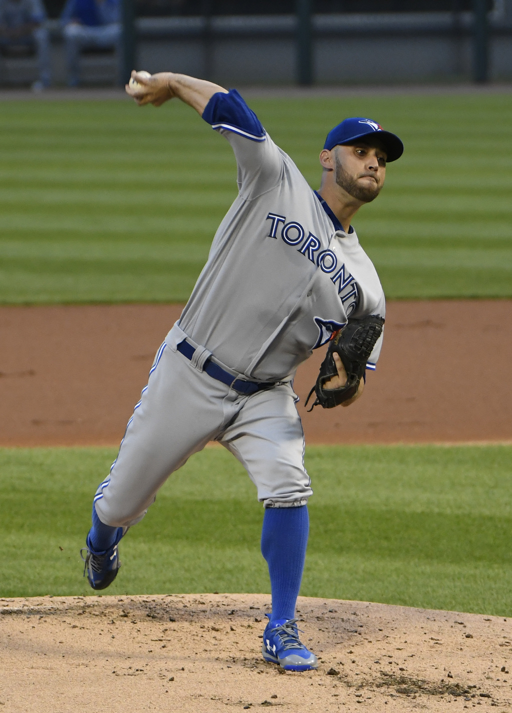 Toronto Blue Jays starting pitcher Marco Estrada (25) throws against the Chicago White Sox during the first inning of a baseball game, Monday, July 31...