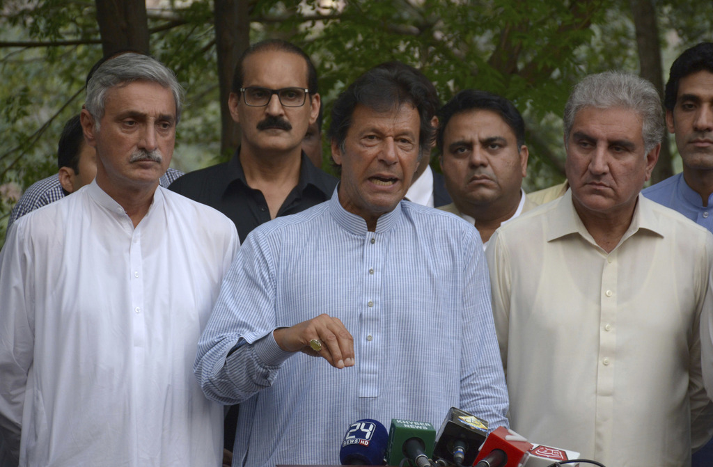 Imran Khan terms Zardari 'master of thieves', says 'unemployment' Sindh's biggest issue