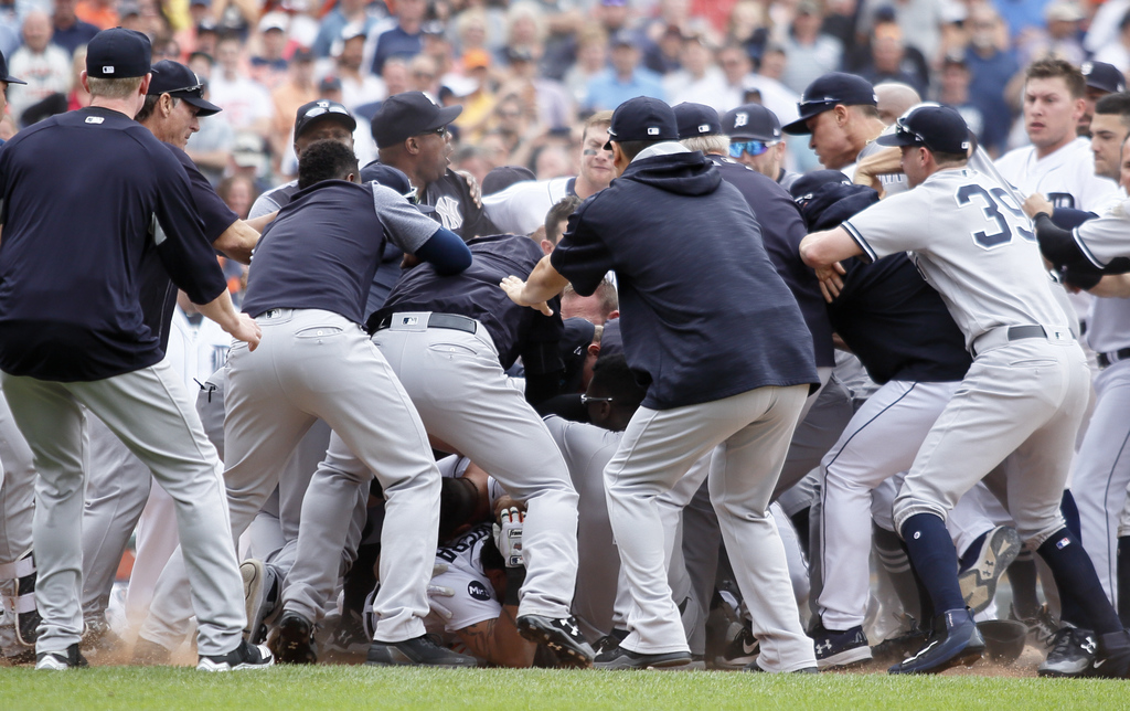 Miguel Cabrera, Austin Romine square off to spark Tigers-Yankees brawl