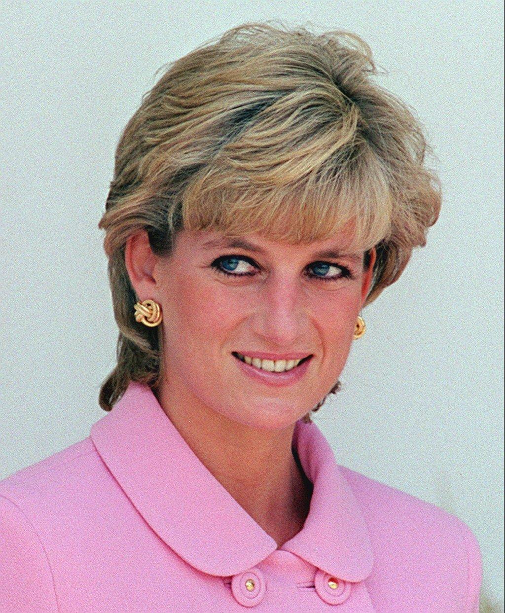 From teacher to tragic figure, the life of Princess Diana   Taiwan ...