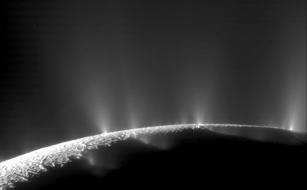 This Feb. 17, 2005 image made available by NASA shows plumes of water ice and vapor from the south polar region of Saturn's moon Enceladus. The activi...