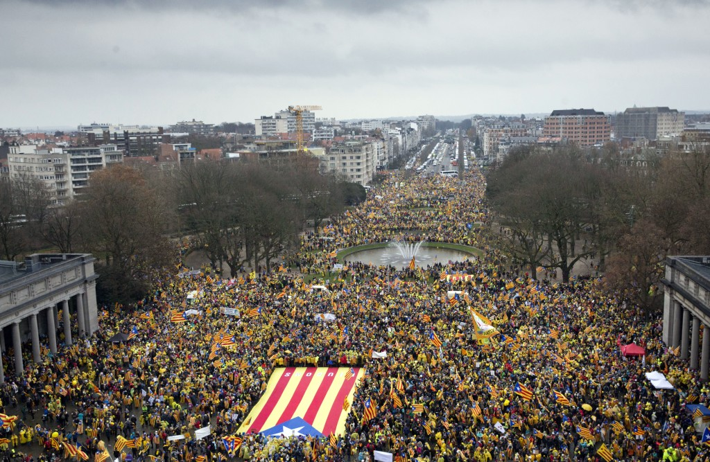 VPro-independence Catalan supporters gather to begin a demonstration near the EU quarter in Brussels on Thursday , Dec. 7, 2017. Thousands of Pro-Cata