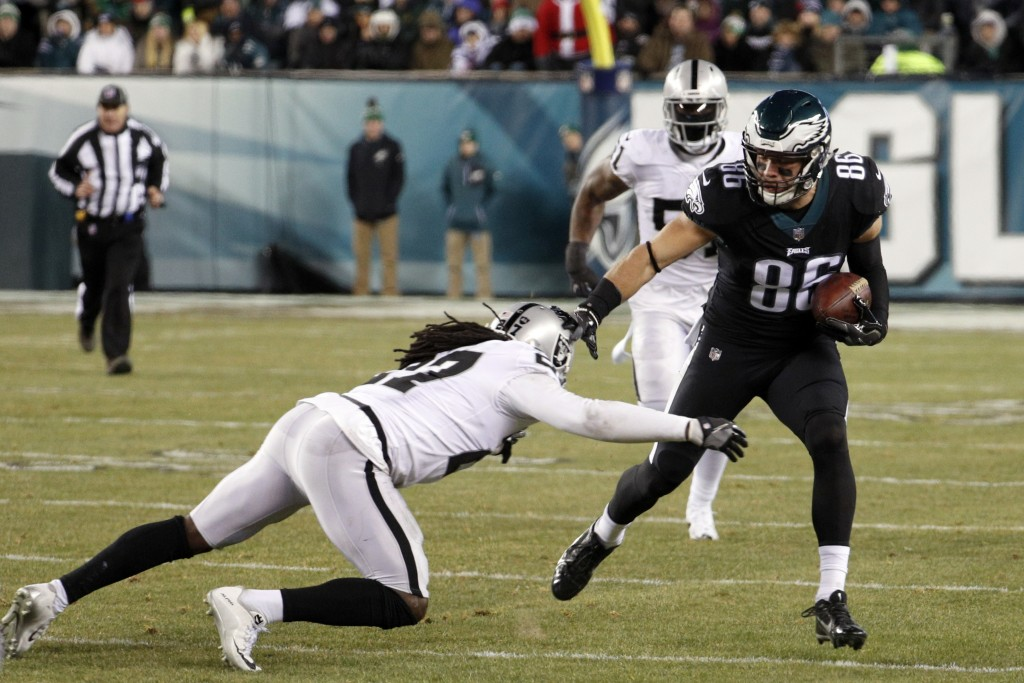 Philadelphia Eagles' Zach Ertz in action during the first half of an NFL football game against the Oakland Raiders, Monday, Dec. 25, 2017, in Philadel...