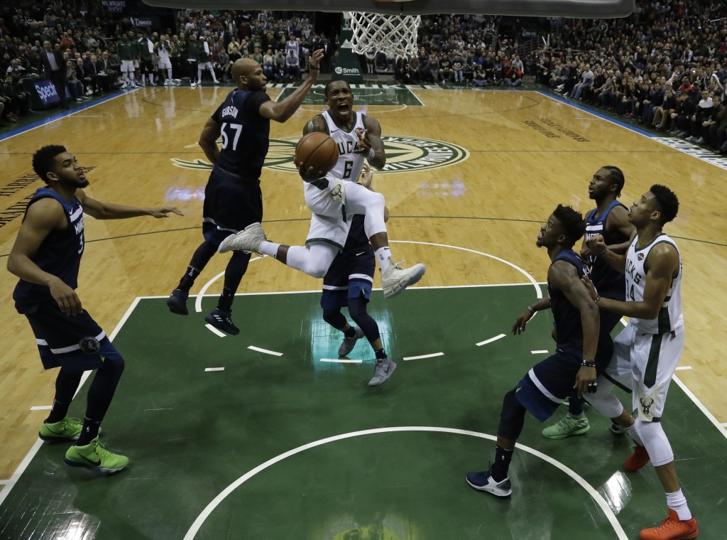 Milwaukee Bucks' Eric Bledsoe drives during the second half of an NBA basketball game against the Milwaukee Bucks Thursday, Dec. 28, 2017, in Milwauke...