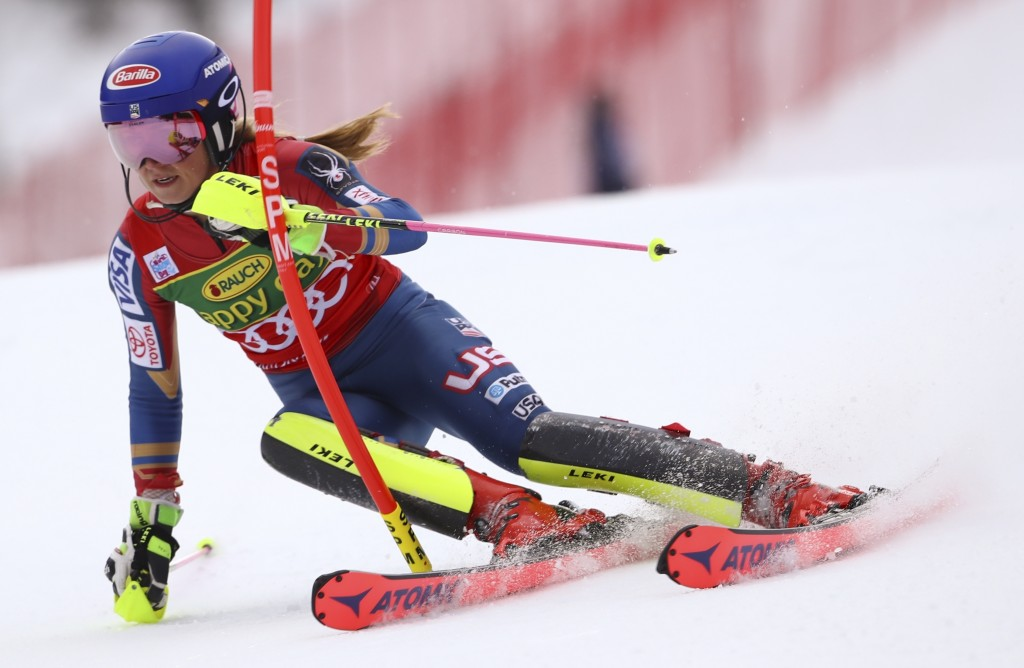 Shiffrin continues dominance with giant slalom win in
