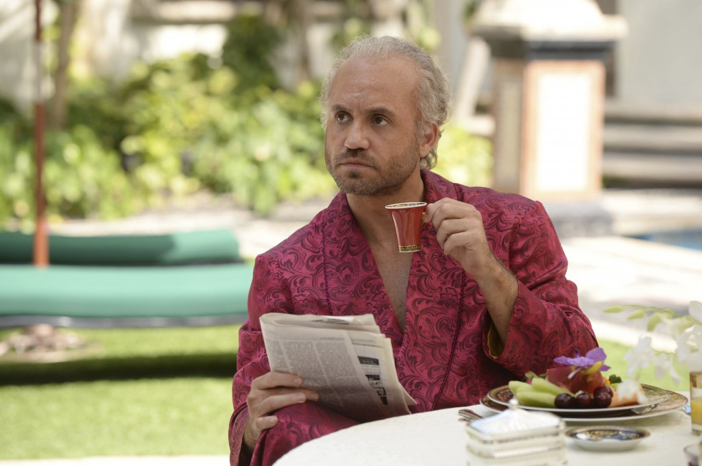 """This image released by FX shows Edgar Ramirez as Gianni Versace in a scene from """"The Assassination of Gianni Versace: American Crime Story,"""" premierin"""