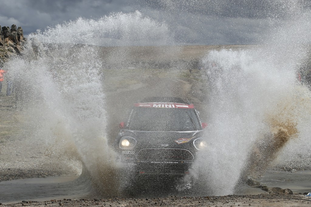 Driver Orlando Terranova, of Argentina, and co-driver Bernardo Graue, of Argentina, race their Mini during the 6th stage of the 2018 Dakar Rally betwe