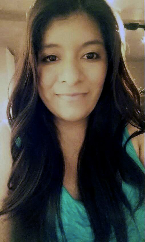 CORRECTS DAUGHTERS NAME TO KAELLY RAMOS BENITEZ- This Aug. 23, 2015 photo provided by Jennifer Ramos Tapia shows her sister, Marilyn Ramos, 27, at her