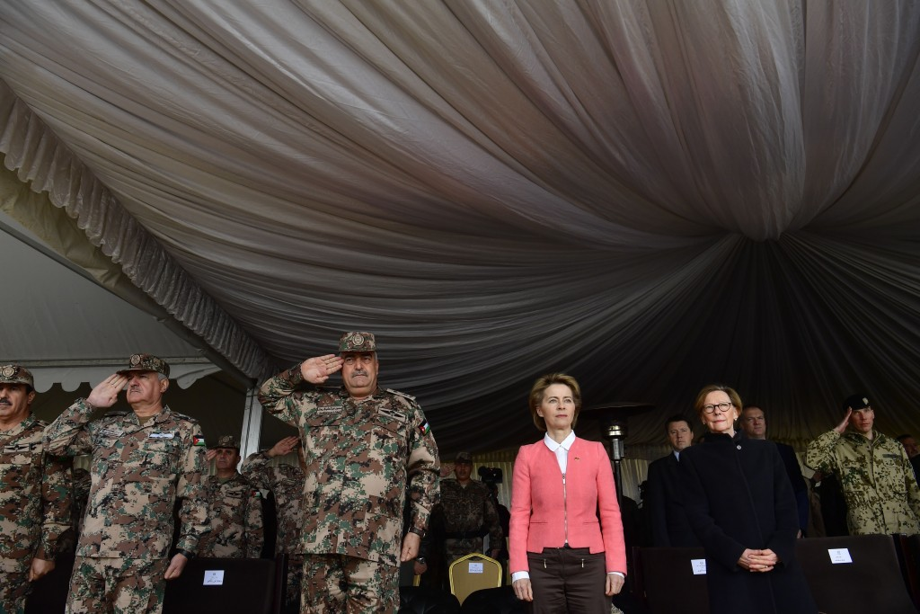 German Defence Minister Ursula von der Leyen , third from right,  and Jordanian Chairman of the Joint Chiefs of Staff Mahmoud Freihat, second left, li