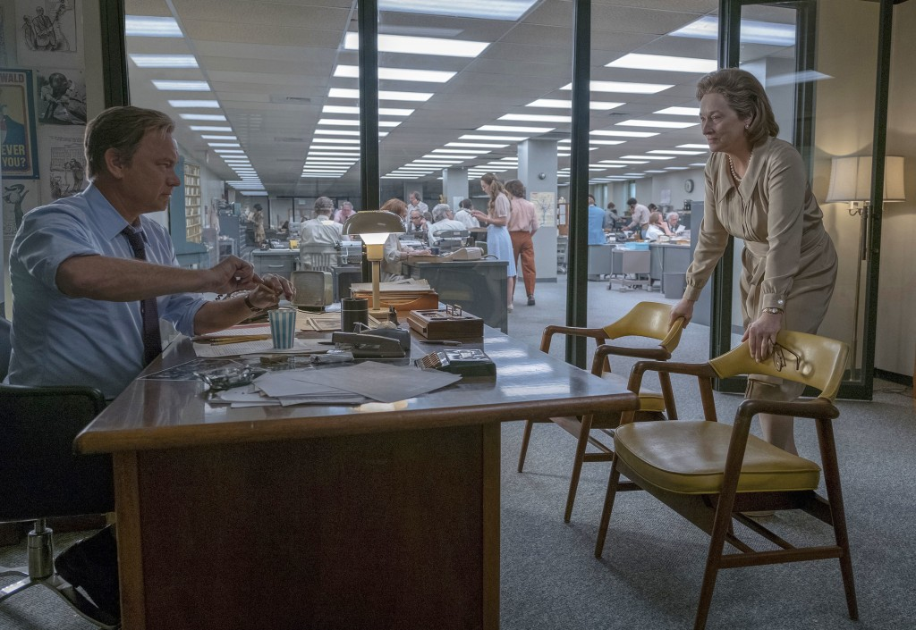 "In this image released by 20th Century Fox, Tom Hanks portrays Ben Bradlee, left, and Meryl Streep portrays Katharine Graham in a scene from ""The Post"