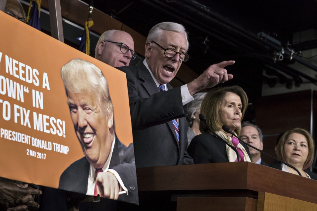 Dems reject deal, shutdown to last into Monday