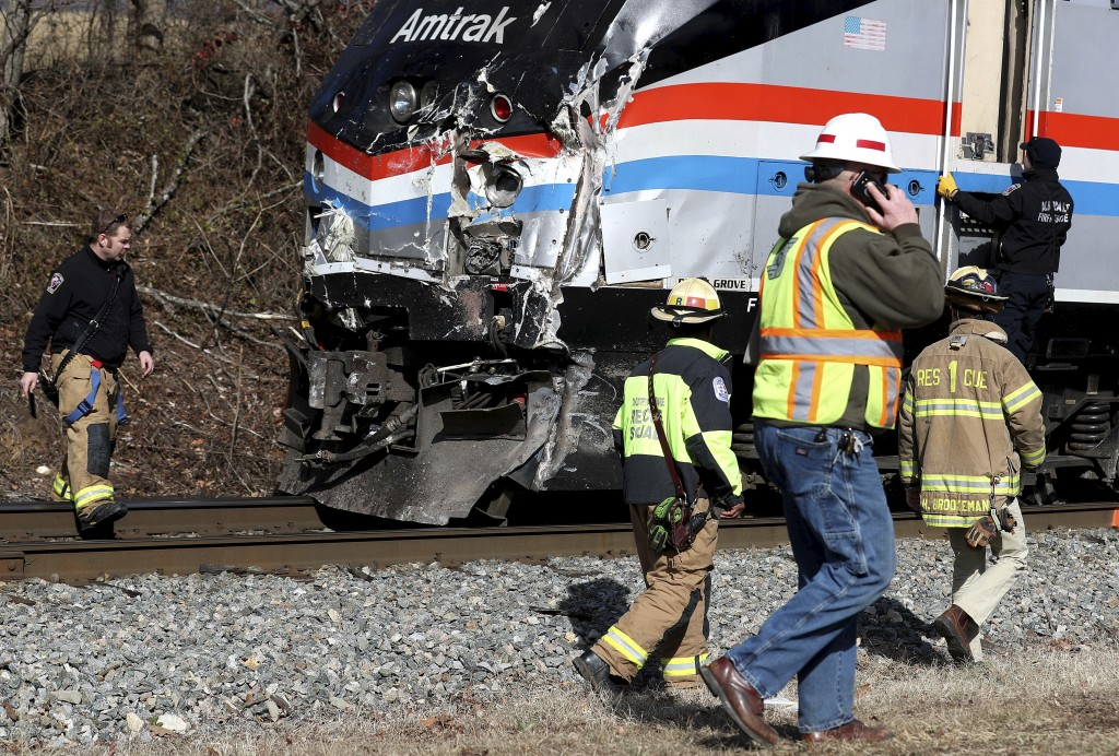 Chartered train carrying GOP lawmakers to retreat strikes garbage truck, killing 1