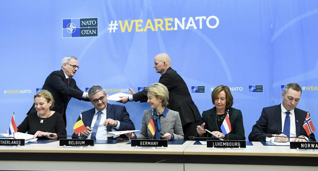 From left, Dutch Defense Ank Bijleveld, Belgian Defense Minister Steven Vandeput, German Defense Minister Ursuala von der Leyen, Luxembourg's Permanen