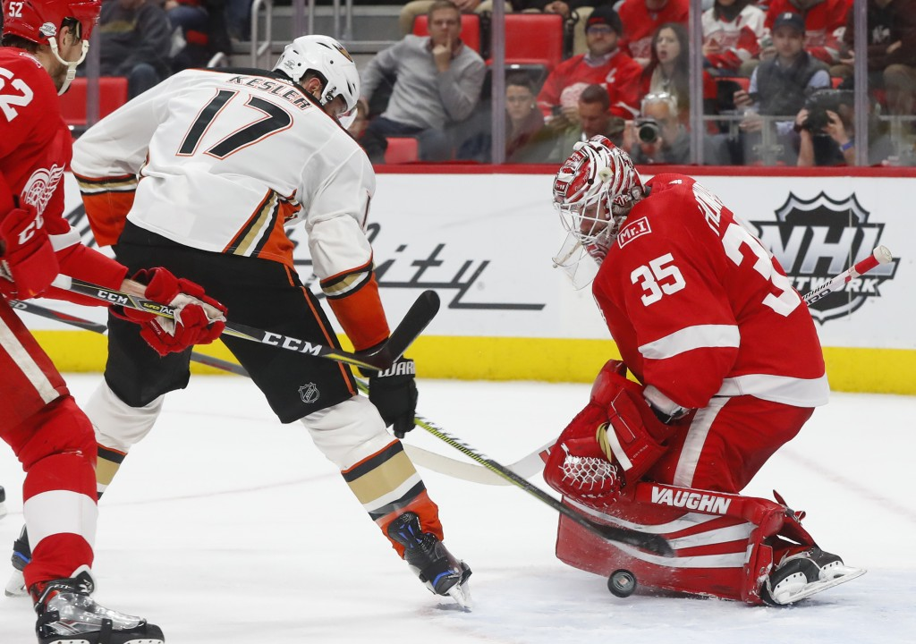 Detroit Red Wings goaltender Jimmy Howard (35) stops a Anaheim Ducks center Ryan Kesler (17) shot in the first period of an NHL hockey game Tuesday, F