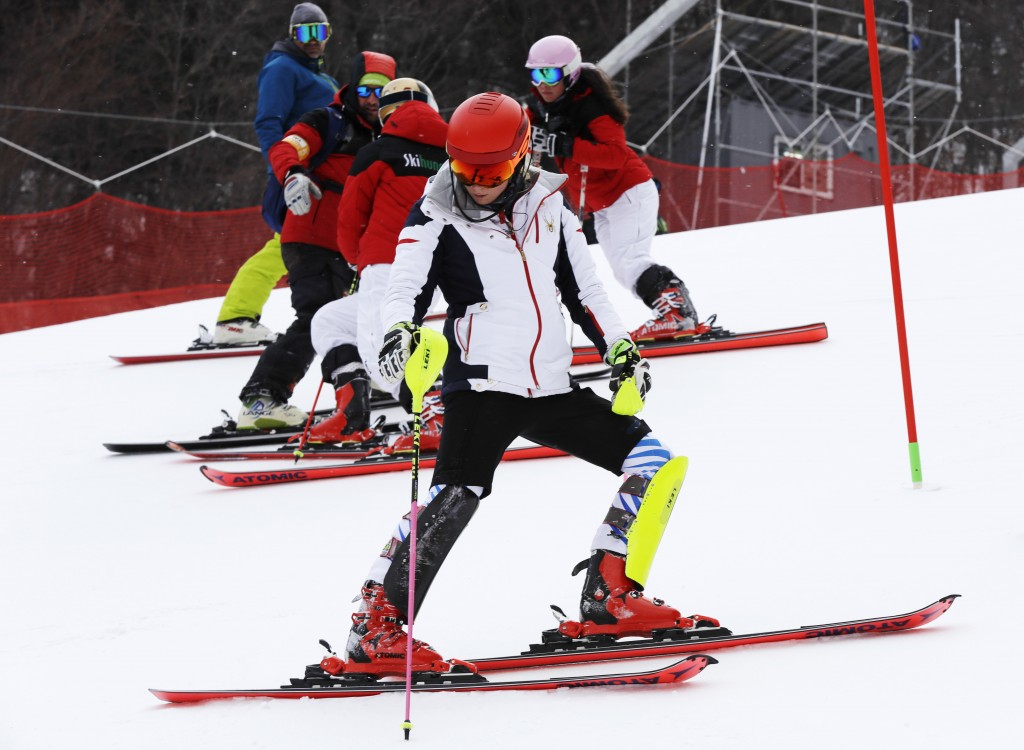Olympics: Women's slalom delayed because of high winds