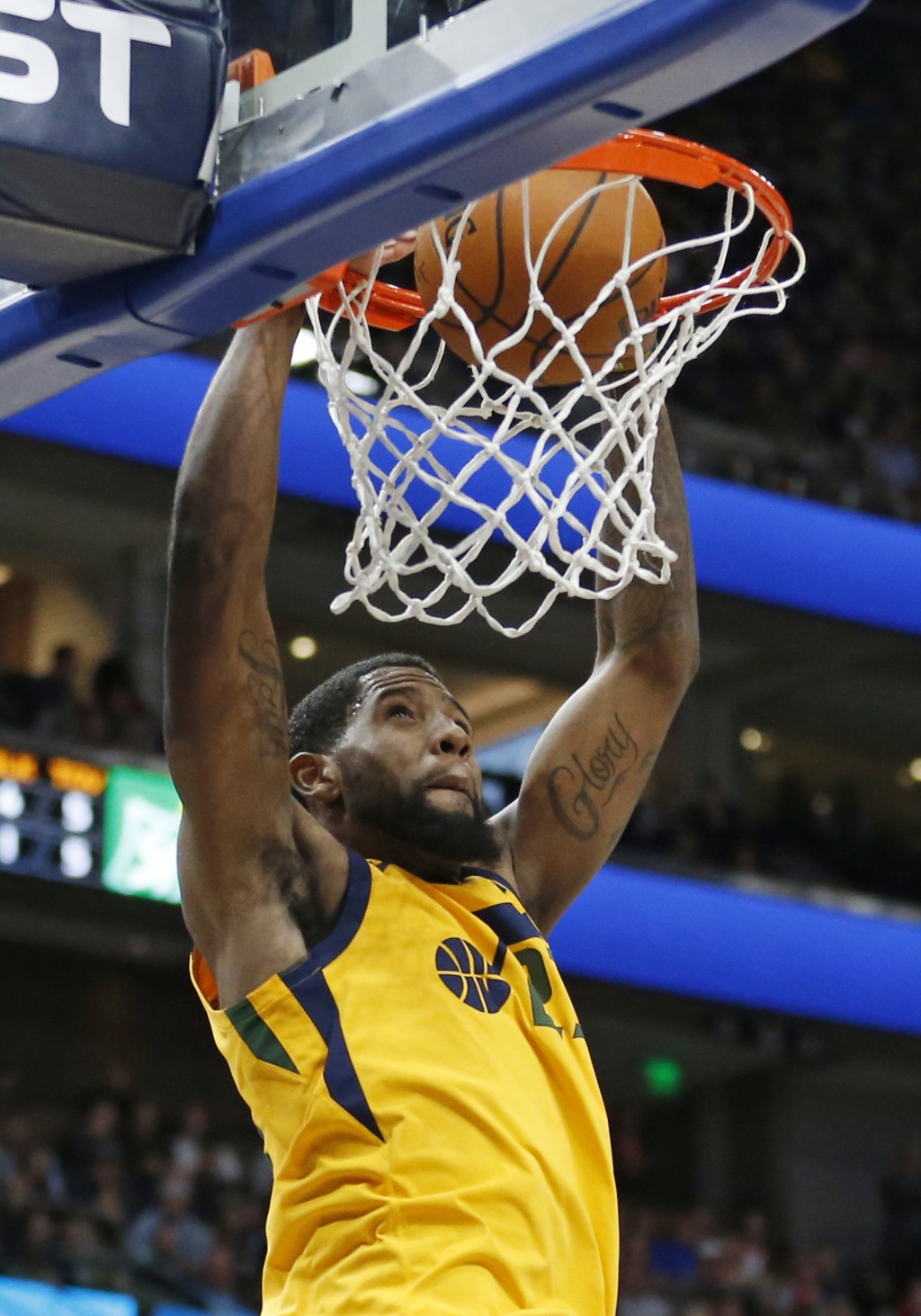 Utah Jazz forward Royce O'Neale dunks the ball against the Phoenix Suns in the first half during an NBA basketball game Wednesday, Feb. 14, 2018, in S