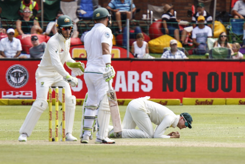Tough day for Aussies in South African test