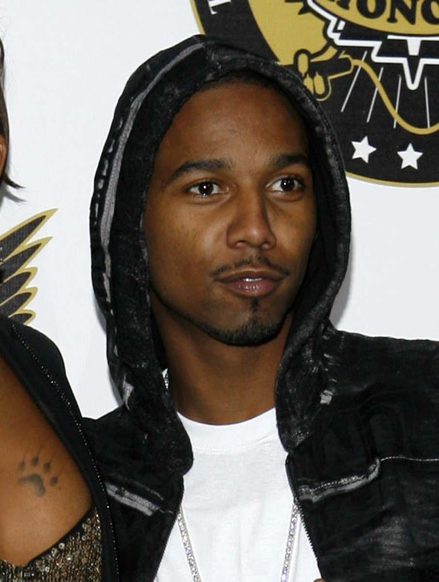 FILE - In this Oct. 2, 2008 file photo, Juelz Santana arrives at the VH1 Hip Hop Honors in New York. Authorities say Juelz Santana turned himself into