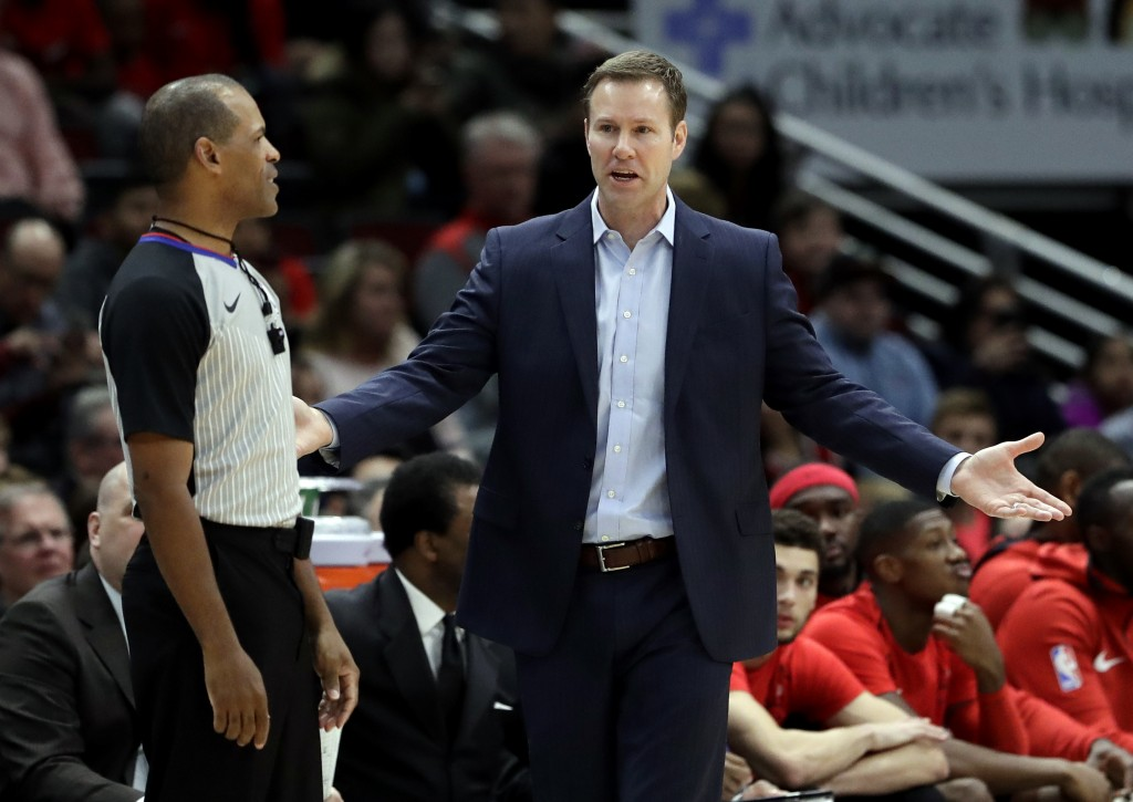 Chicago Bulls head coach Fred Hoiberg reacts to a call during the first half of an NBA basketball game against the Los Angeles Clippers, Tuesday, Marc