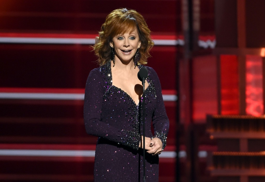 Host Reba McEntire speaks at the 53rd annual Academy of Country Music Awards at the MGM Grand Garden Arena on Sunday, April 15, 2018, in Las Vegas. (P