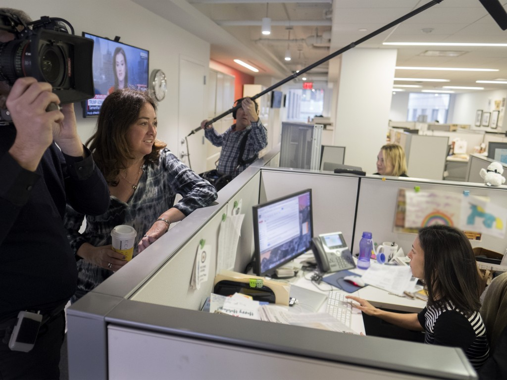 This image released by Showtime shows filmmaker Liz Garbus, left, talking with New York Times White House correspondent Julie Hirschfeld Davis in Wash...