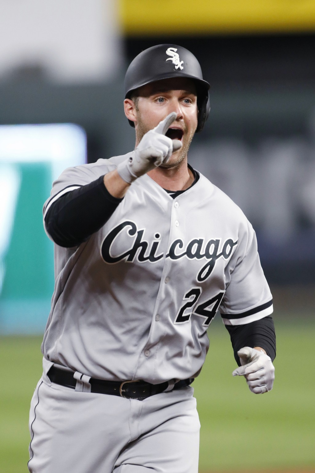 Chicago White Sox designated hitter Matt Davidson rounds the bases after hitting a two-run home run during the 11th inning of a baseball game against ...