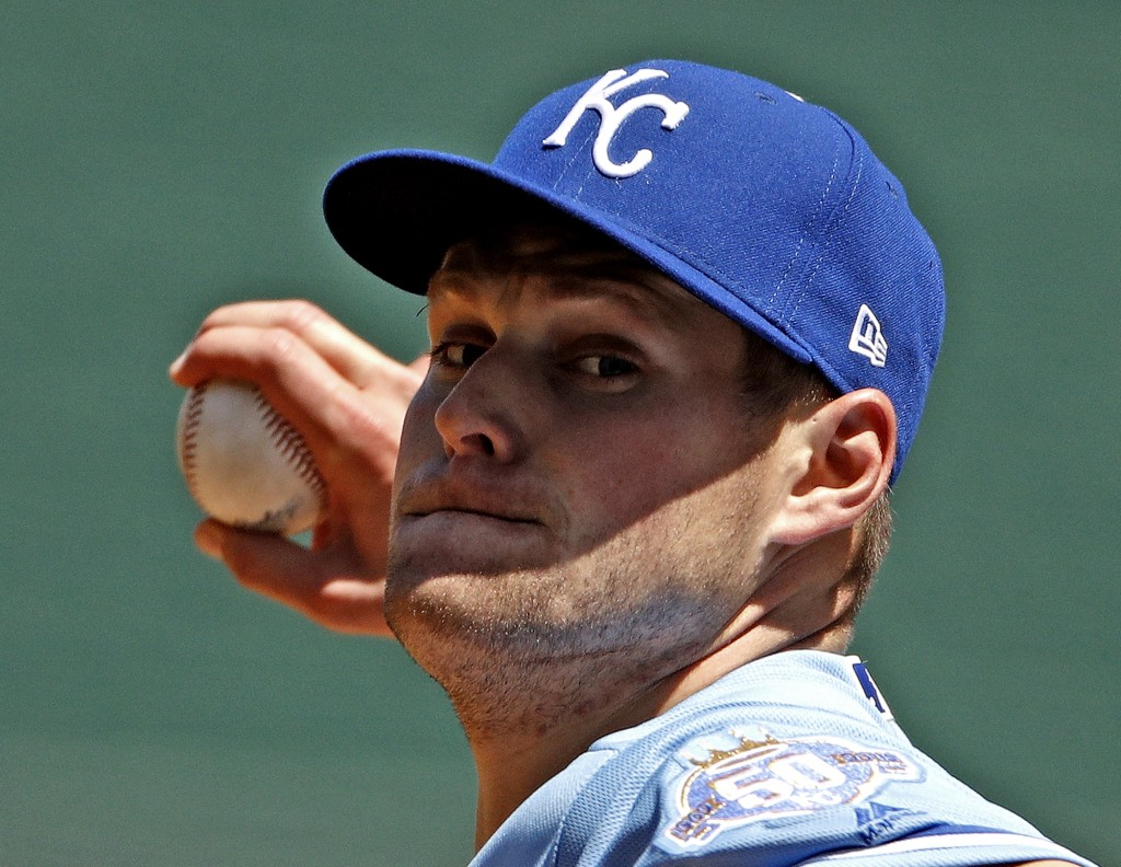 Kansas City Royals starting pitcher Trevor Oaks throws during the first inning of the first baseball game in a doubleheader against the Chicago White ...