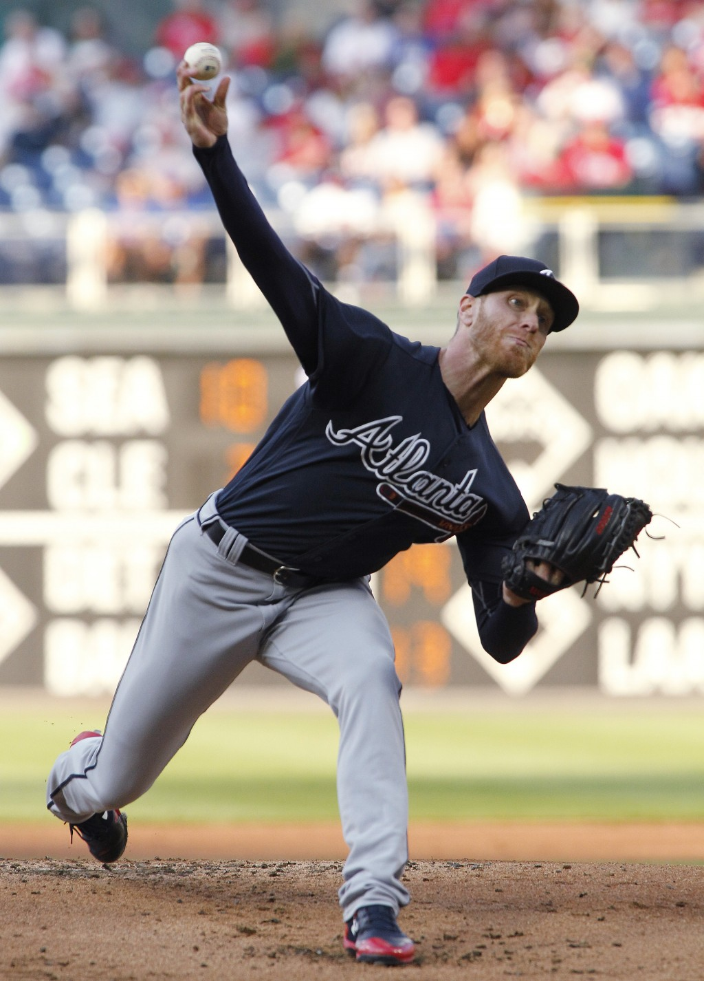 Atlanta Braves pitcher Mike Foltynewicz throws during the first inning of the team's baseball game against the Philadelphia Phillies, Saturday, April ...