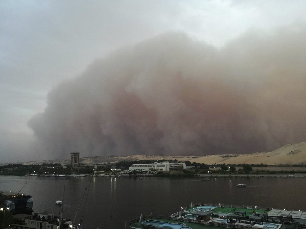 This Monday, April 30, 2018 photo shows a sand storm rolling in over Aswan, Egypt. (Eshraq Tantawy via AP)