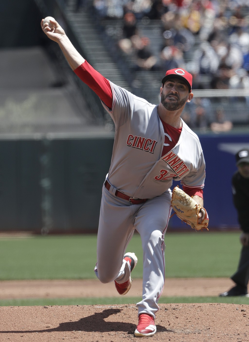 Cincinnati Reds pitcher Matt Harvey throws against the San Francisco Giants during the first inning of a baseball game in San Francisco, Wednesday, Ma
