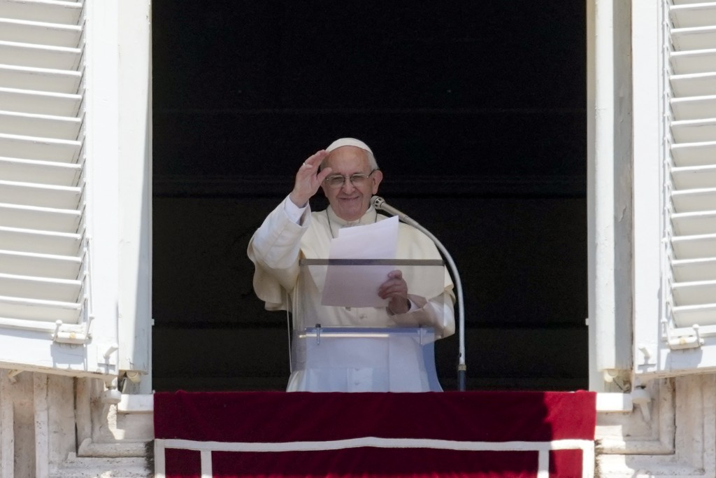 Pope Francis Accepts Resignation of 3 Chilean Bishops