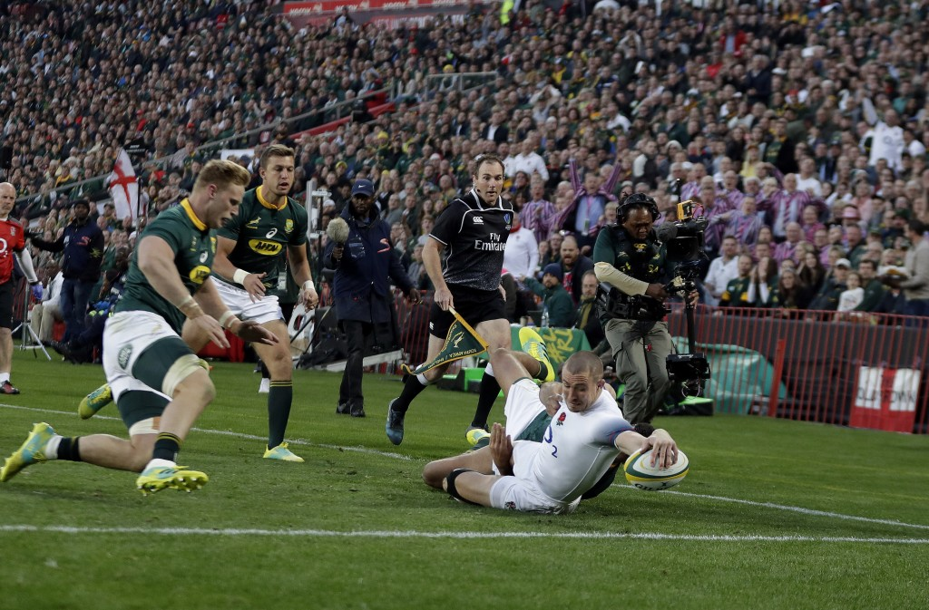 Jones in row with Boks fans after England defeat