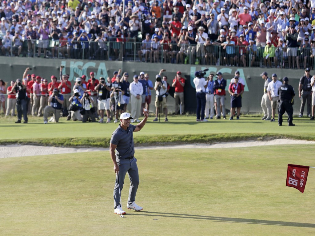Koepka fends off Fleetwood charge to win US Open