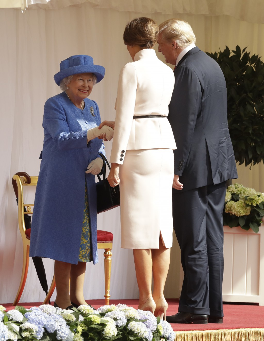 Trump disgraced at a meeting with Queen Elizabeth II