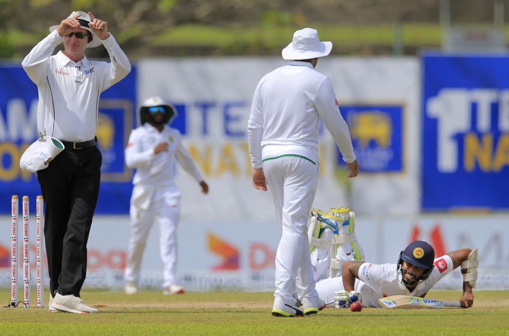 South Africa require 352 runs to win on a crumbling track