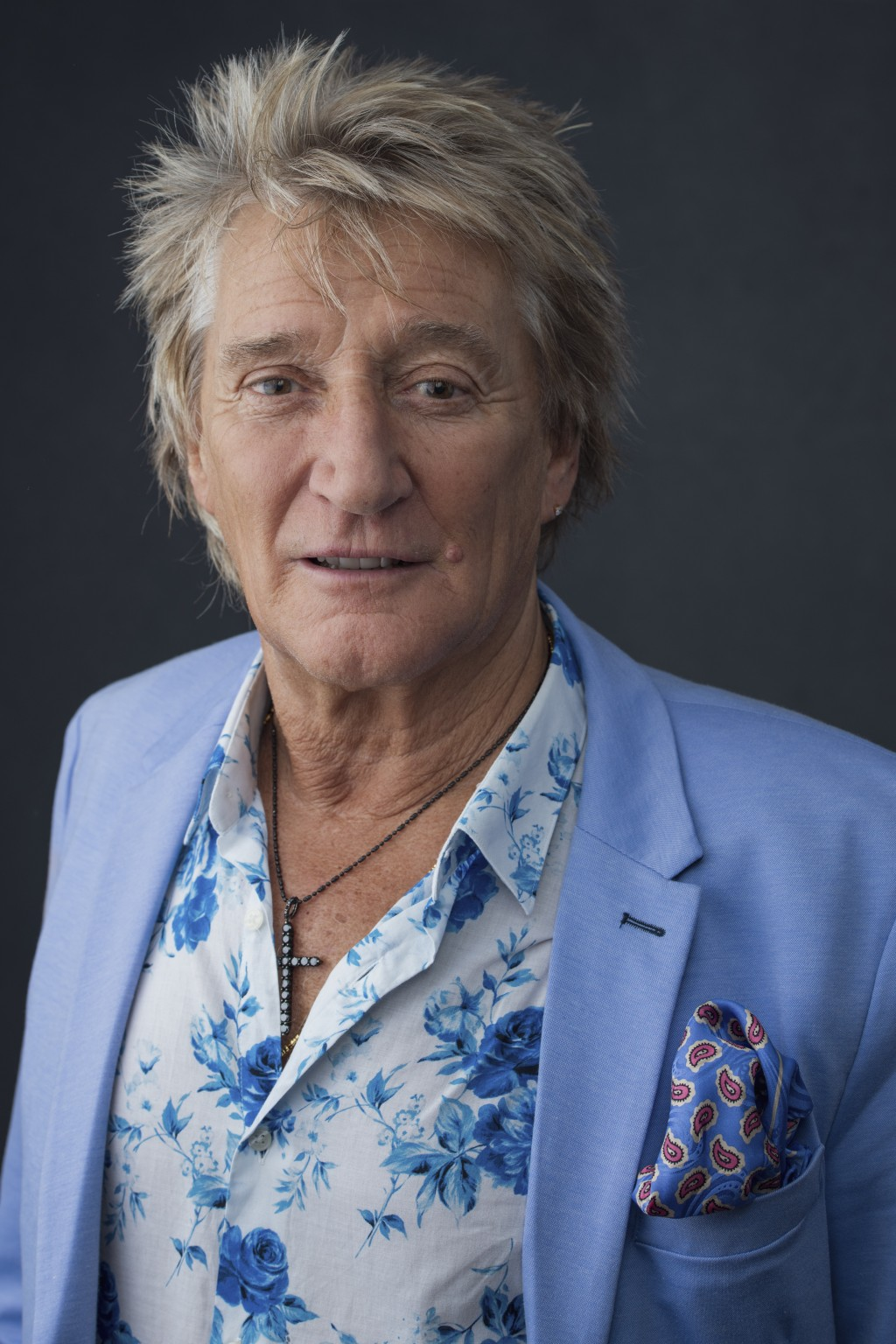 "Rod Stewart poses for a portrait on Wednesday, Aug. 8, 2018 in New York to promote his tour and upcoming album, ""Blood Red Roses."" (Photo by Drew Guri"