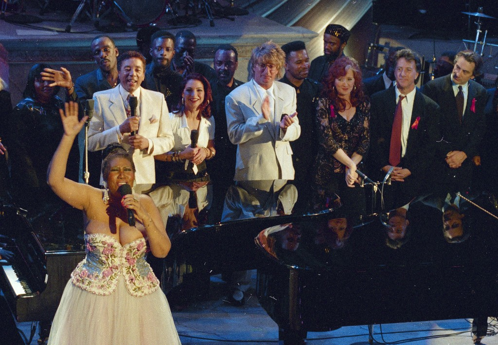 "FILE - In this April 28, 1993 file photo, Aretha Franklin, foreground left, performs in the finale of ""Aretha Franklin: Duets,"" an AIDS benefit concer..."