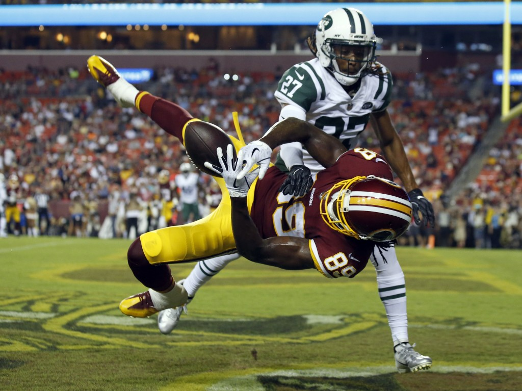New York Jets cornerback Darryl Roberts (27) breaks up a pass intended for Washington Redskins wide receiver Cam Sims (89) during the first half of a ...
