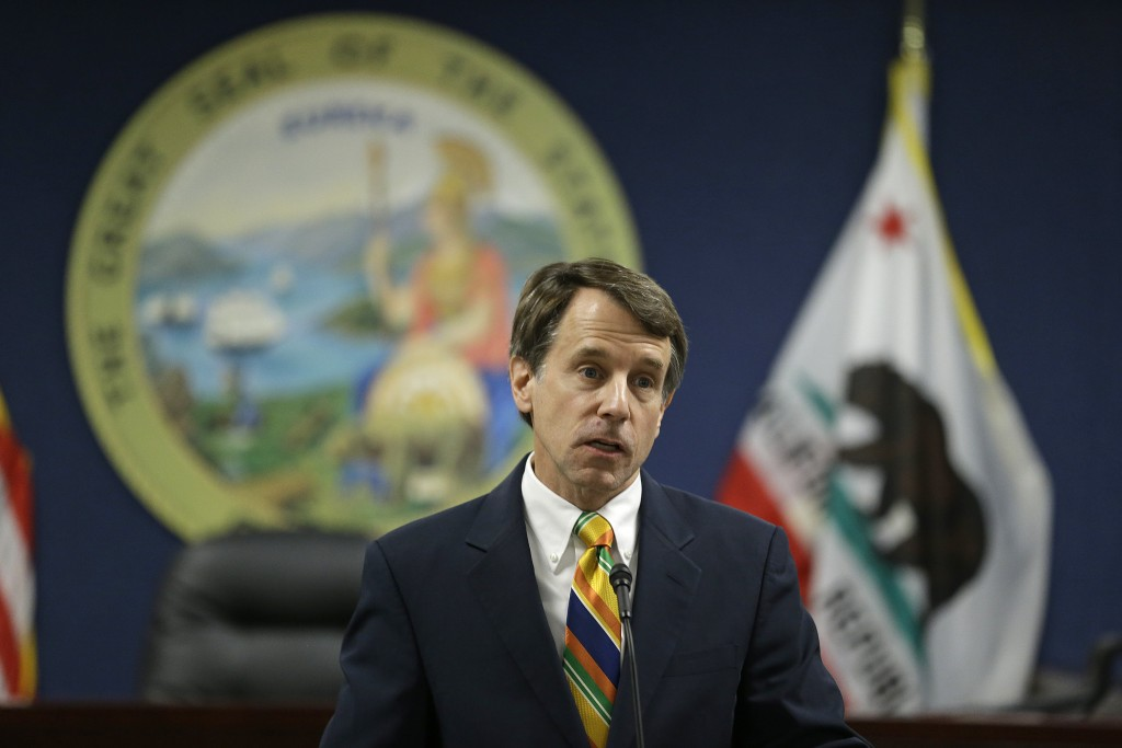 California Insurance Commissioner Dave Jones speaks during a news conference about the costs of recent wildfires Thursday, Sept. 6, 2018, in San Franc