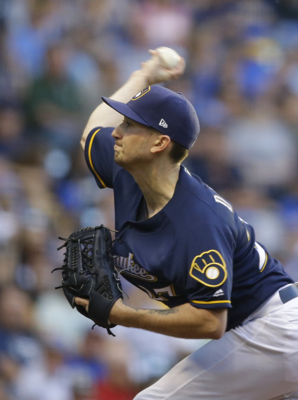Milwaukee Brewers starting pitcher Zach Davies throws to the Pittsburgh Pirates during the first inning of a baseball game, Saturday, Sept. 15, 2018,