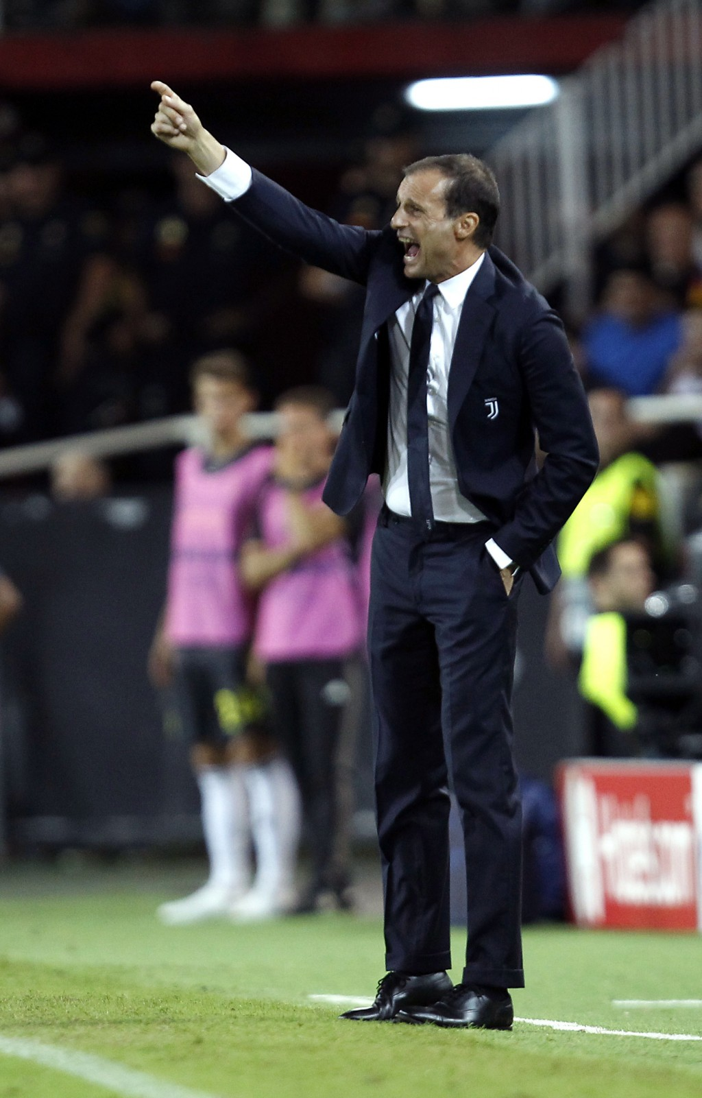 Juventus coach Massimiliano Allegri shouts during the Champions League, group H soccer match between Valencia and Juventus, at the Mestalla stadium in