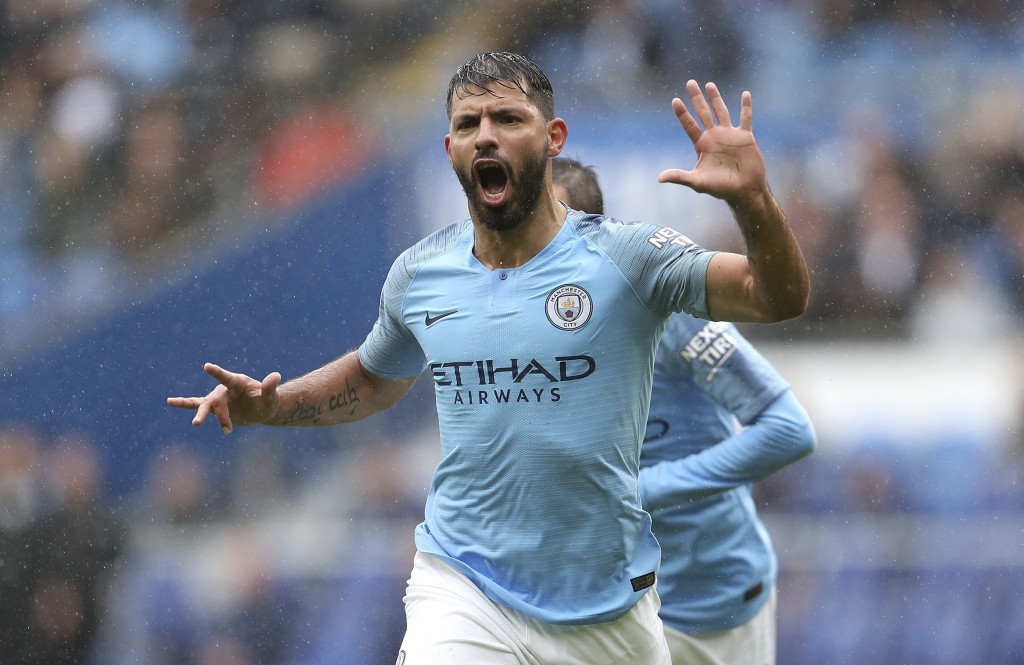 Sergio Agüero signs one-year Manchester City contract extension to 2021