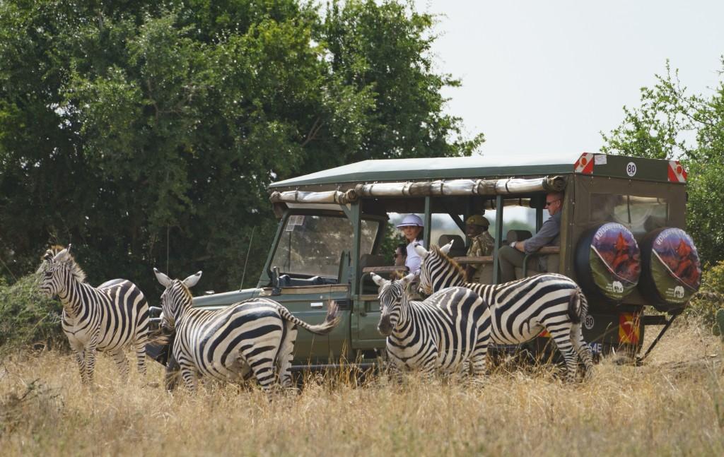 4d9a01f8cc7 First lady Melania Trump observes zebras during a safari at Nairobi  National Park in Nairobi