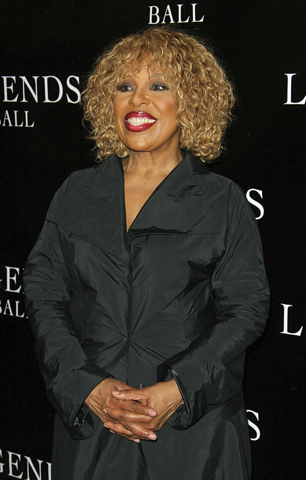FILE - In this May 14, 2005 file photo, Roberta Flack arrives at the Legends Ball, an award ceremony in Santa Barbara, Calif., hosted by Oprah Winfrey